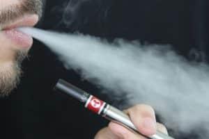 Cigarette électronique : comment vapoter sans risque ?